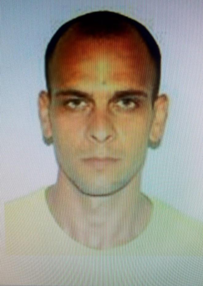 Detinut EVADAT de la Penitenciarul Ploiesti! Daca l-ai vazut, anunta imediat Politia