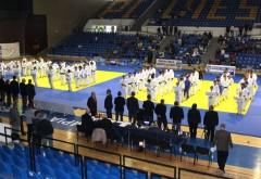 """S-au scumpit tarifele la bazele sportive din Ploieşti. Vezi noile preţuri la Sala """"Olimpia"""", Bazinul Vega sau Sala """"Doroftei""""!"""