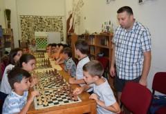 """Cursuri gratuite pentru elevi, în vacanța mare, la Biblioteca Județeană """"Nicolae Iorga"""""""