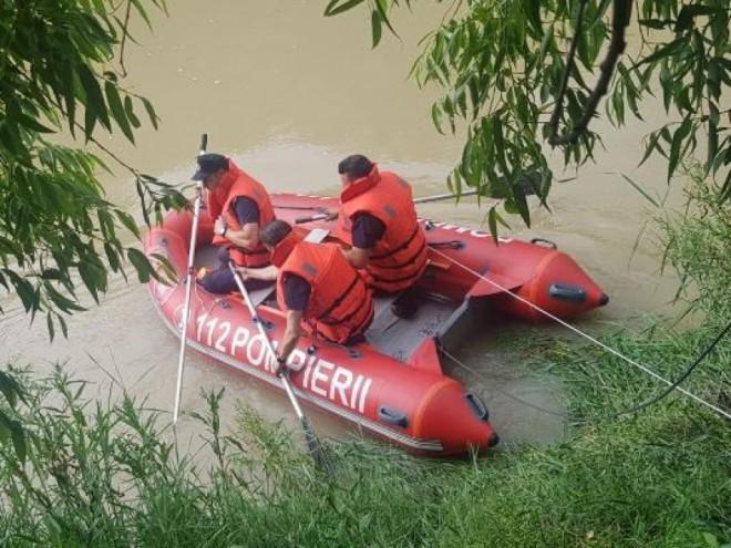 Doi frati din Prahova, de 9 si 14 ani, au murit inecati intr-un canal de irigatii, la Baba Ana