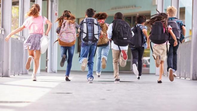 """Vacanţa de vară a elevilor s-ar putea prelungi cu o săptămână. Dăncilă, apel la ministrul Educaţiei: """"Luaţi în calcul începerea anului şcolar de la 16 septembrie!"""""""