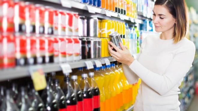 Guvernul vrea să taxeze zahărul din băuturile răcoritoare. Măsura ar urma să fie introdusă din septembrie