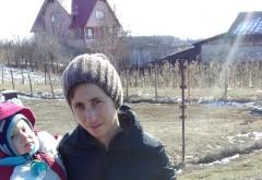 Tanara din Prahova si copilul de doar 2 ani, dati DISPARUTI!