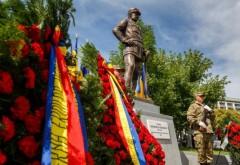 Statuia generalului Mărdărescu, dezvelită în faţa Facultăţii de Ştiinţe Economice din Cluj