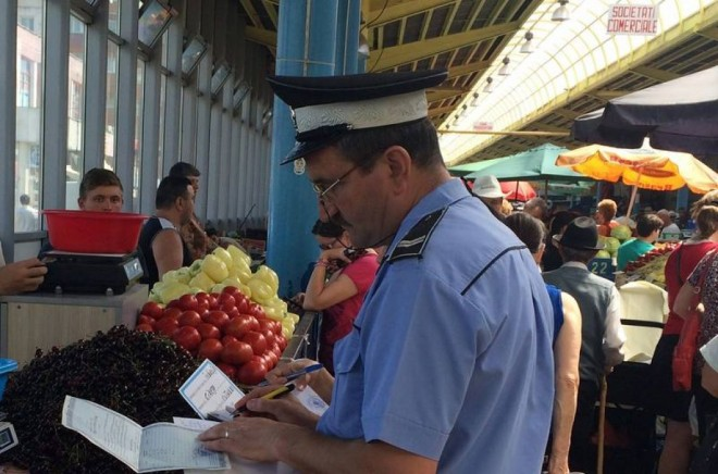 RAZIE a politistilor in Ploiesti si Baicoi. Mai multi patroni de magazine au fost amendati cu sume uriase. Vezi aici neregulile descoperite
