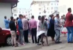 Alo, Politia! O nunta tiganeasca i-a innebunit de cap pe locuitorii de pe strada Catinei/ UPDATE: 5 echipaje de Politie au venit de hac tiganiei!