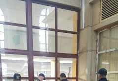 Razie in gãrile din Ploiesti. Ce cauta politistii