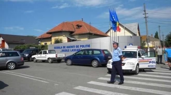 """SANCŢIUNI DURE pentru elevii prinşi cu droguri la Şcoala de Poliţie """"Vasile Lascăr"""" din Câmpina"""