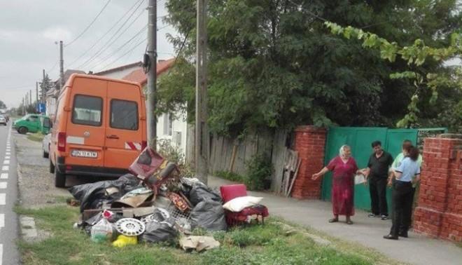 Atentie! Politistii locali vaneaza ploiestenii care arunca deseuri pe spatiul public