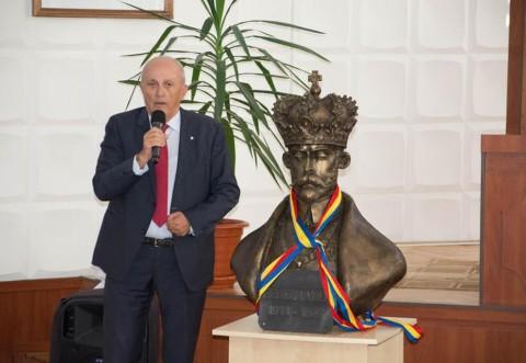 SMV a donat un bust al regelui incoronat Ferdinand raionului Calarasi din R. Moldova