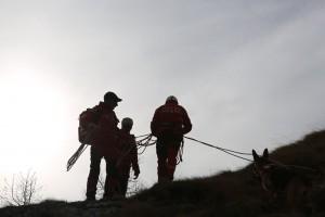 Alertă în Munţii Bucegi: Zece copii şi şase adulţi blocaţi pe un traseu extrem de dificil