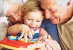 Veşti bune pentru bunici. Din 2020 se acordă indemnizaţia de nepot