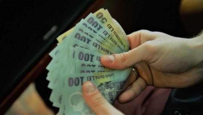 Veste bună pentru angajaţii cu studii superioare! Ce condiţii trebuie să îndeplinească pentru a obţine un salariu minim de 2.620 de lei