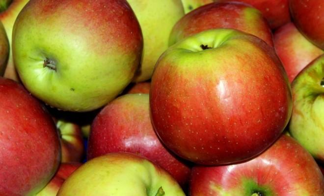 Anunţ alarmant facut de OPC: Consumaţi merele fără coajă!