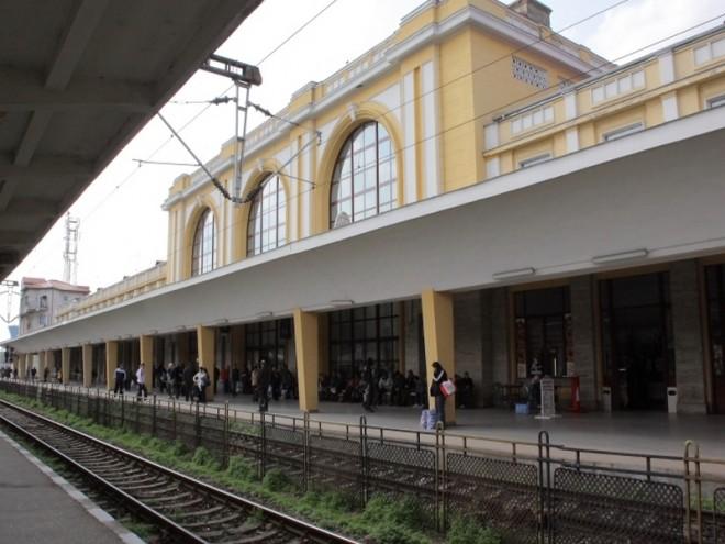 ALERTA/ Barbat lovit mortal de tren la Gara de Sud