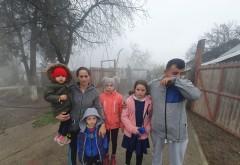 Tragedie pentru o familie cu 6 copii, din Prahova. Au ramas fara locuinta in prag de sarbatori, dupa ce casa le-a ars din temelii