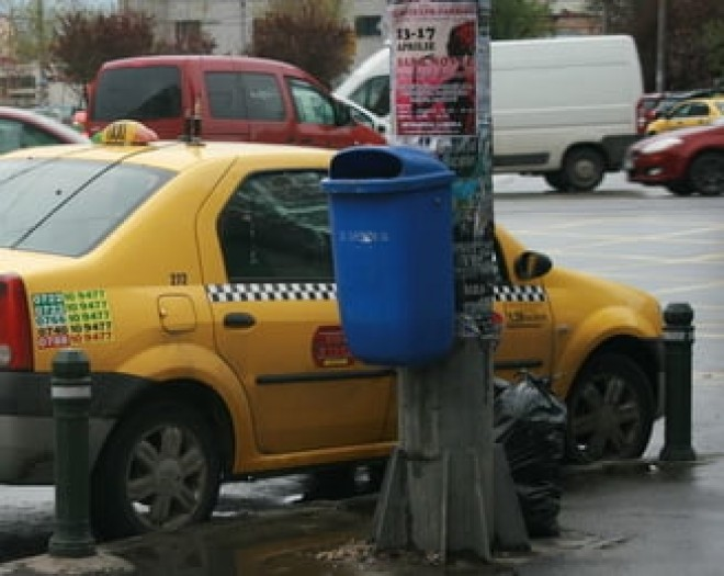 Batausul din Ploiesti care a injunghiat un taximetrist si i-a furat telefonul a fost retinut de politisti