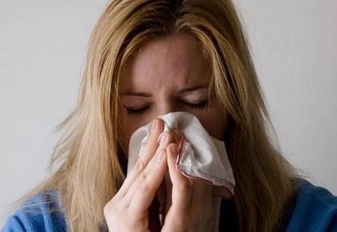 Peste 700 de cazuri de gripă, în toată ţara. Doi oameni au murit. La Buzău, este alertă