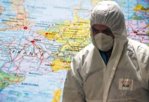 """Un doctor roman ARUNCĂ-N AER subiectul coronavirus: 'Mă ofer voluntar să mă INFECTEZ' / """"GRIPA PENTRU PROȘTII ISTERIZAȚI"""""""