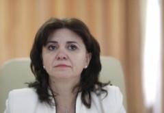 În criza pandemiei de coronavirus, ministrul Educației dă asigurări: 'NU se îngheață anul școlar'