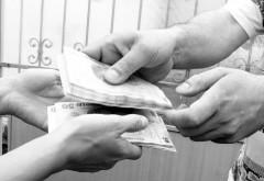 PERCHEZITII in Ploiesti, la escroci care furau bani din locuinte pretinzand ca sunt angajati ai firmelor de utilitati