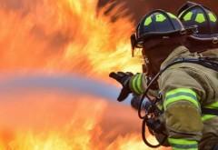 Incendiu VIOLENT în Câmpina: Arde un buncăr de rumeguș. Pompierii sunt în alertă