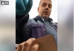 """IMAGINI HALUCINANTE. Şofer amendat de poliţist, deşi avea actele în regulă: """"Îţi iau talonul, pentru că aşa vreau eu"""""""