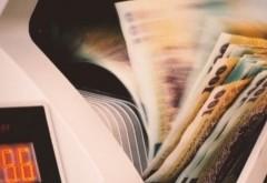 Specialiști: românii trebuie să evite amânarea ratelor, mai târziu vor plăti mai mult