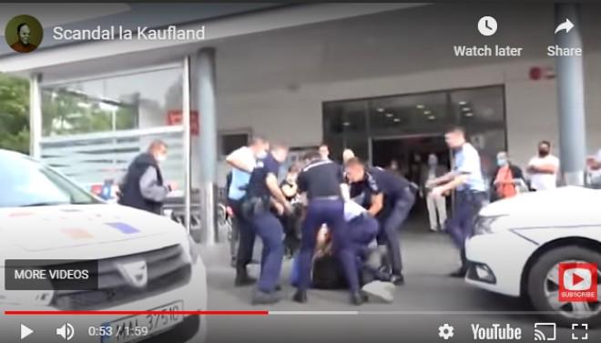 VIDEO Scene INCREDIBILE la Kaufland: un bărbat a fost ÎNCĂTUȘAT pentru că a REFUZAT termoscanarea