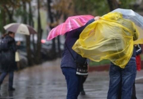 Alertă de ploi și vijelii, inclusiv in Prahova! Până când va ține vremea rea