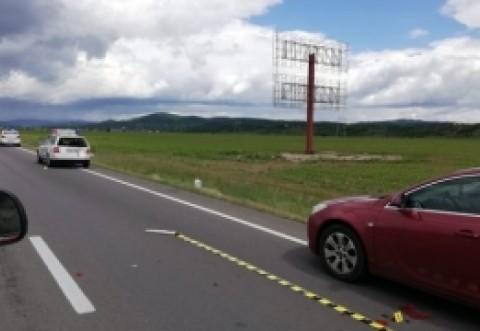 ACCIDENT cu o autospecială de la RUTIERĂ, în Prahova: 3 mașini implicate, 2 persoane au ajuns la spital