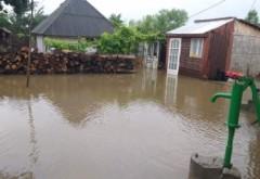 Ploile au făcut RAVAGII în ultimele 24 de ore în țară - Aproape 350 de curți inundate și zeci de persoane evacuate din calea apelor, este bilanțul IGSU