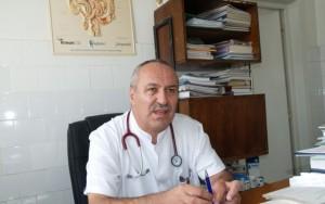 """Dr. Stefan Pavelescu de la Spitalul Judetean din Ploiesti e internat la """"Matei Bals"""". In ce stare se afla si cum s-a manifestat infectia cu COVID-19 la renumitul medic"""