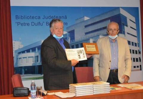 """Lansare de carte la Baia Mare: Mircea Cosma si-a prezentat albumul """"Adrian Păunescu, fiul Basarabiei"""""""