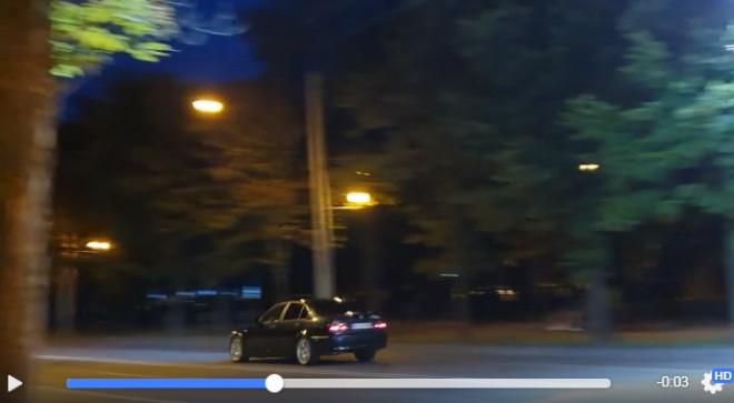 Distrusii care merg cu peste 100km/h pe Bulevard, chiar sub geamul Politiei Locale, filmati de un ploiestean