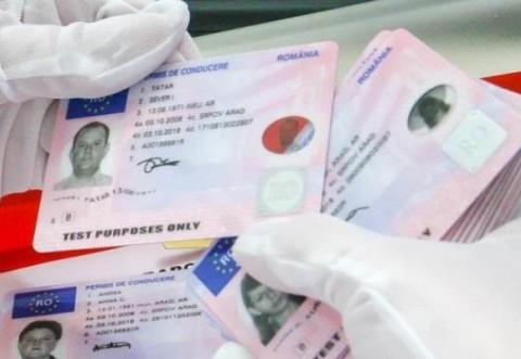 DRPCIV: Taxele pentru certificat de înmatriculare / autorizație de circulație provizorie / permis auto NU vor mai putea fi achitate decât online
