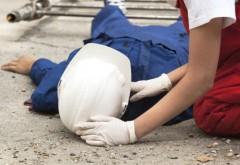 BREAKING NEWS: Un muncitor a cazut de pe acoperisul unei case, pe strada Marasesti din Ploiesti