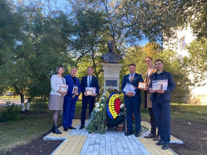 Bustul celui de-al doilea preşedinte al Sfatului Ţării, Constantin Stere, a fost dezvelit la Rezina