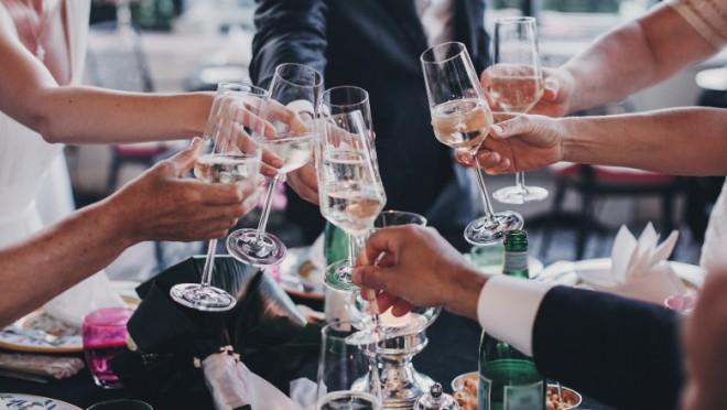 Nuntă cu 150 de persoane întreruptă de polițiști, într-o comună din Prahova. Invitații au părăsit imediat locația