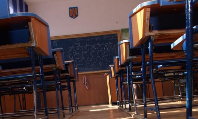 """Cand se redeschid scolile: """"Niciun scenariu nu este exclus"""". Decizia va fi luată după 15 ianuarie"""