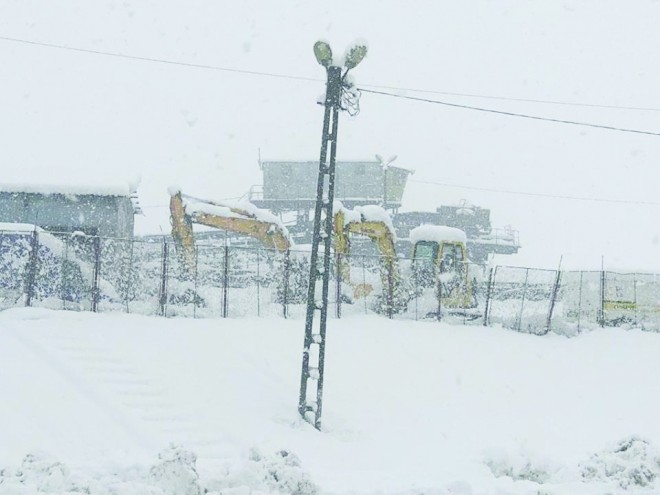Creste numarul avariilor Electrica: peste 11.000 de locuinte din Prahova NU AU CURENT ELECTRIC