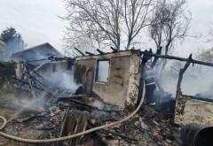 O familie din Prahova a rămas pe drumuri, pe un ger cumplit, după un incendiu puternic