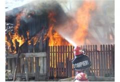 Tragedie in Ploiesti. O femeie a fost gasita decedata de pompierii veniti sa stinga incendiul dintr-o baraca
