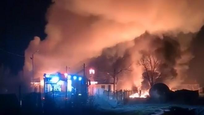 Pompierii s-au luptat 6 ore cu flacarile. Care sunt pagubele incendiului de la Inotesti
