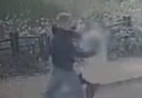 Ploieşti: O femeie a fost atacată si tâlhărită pe stradă de mai mulţi necunoscuţi