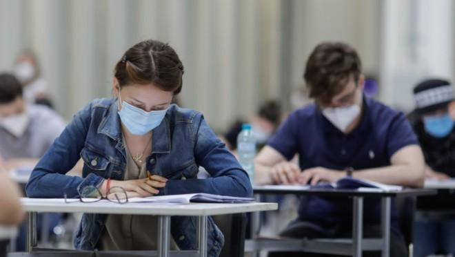 Cum vor avea loc examenele naționale dacă mai multe localități sunt carantinate. Precizările ministrului Educației