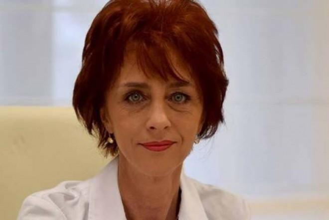 Zeci de mii de persoane s-au înscris în grupurile de susținere pentru medicul Flavia Groșan. Anunță protest la Colegiul Medicilor