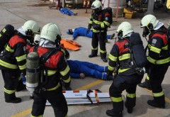 EXPLOZIE la Rafinaria Brazi. Sute de pompieri la fata locului / EXERCITIU