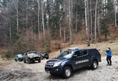 Jandarmeria Prahova a amendat pasionatii de off-road care au intrat cu masina in Muntii Baiului