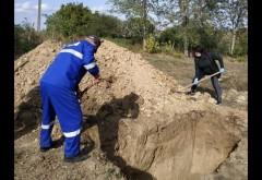Regulile prinvind înmormântarea persoanelor răpuse de Covid-19 s-ar putea schimba
